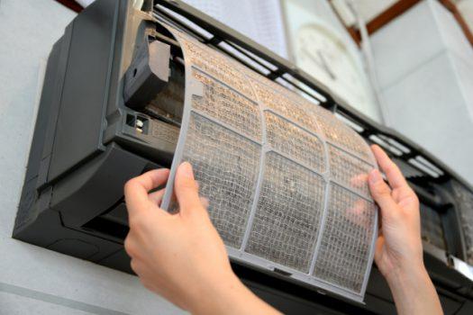 エアコン掃除にやりがちな掃除方法