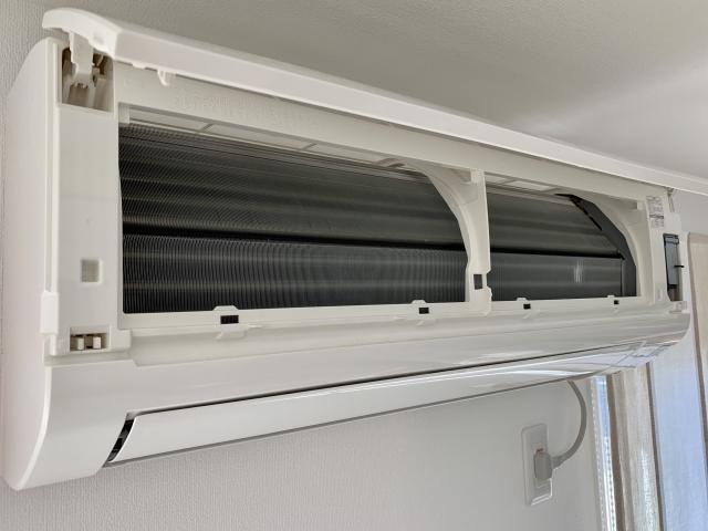 エアコンのクリーニングはどの位の頻度で行うべき?クリーニングに最適な時期