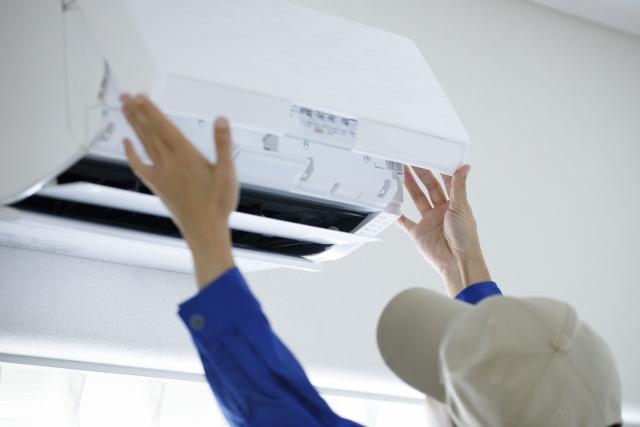 エアコンの取り付け・取り外しやクリーニングを依頼する時の業者選びのポイント