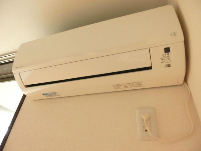 エアコンの取り付けにかかる時間はこれくらい!延長するケースや注意点もおさえます