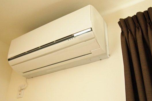 エアコンの室外機の掃除方法とは?自分でできるポイントもご紹介!