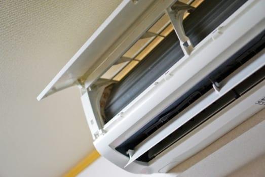 エアコンのカビを予防する理想的なお掃除頻度